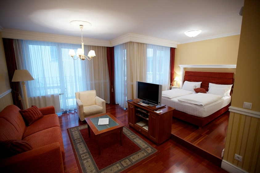 Gallery Queen 180 S Court Hotel And Residence Budapest